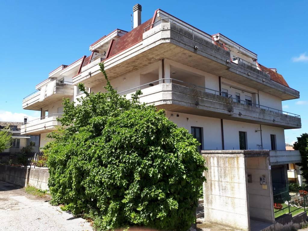 Appartamento in vendita a Castel Frentano, 5 locali, prezzo € 107.000   CambioCasa.it