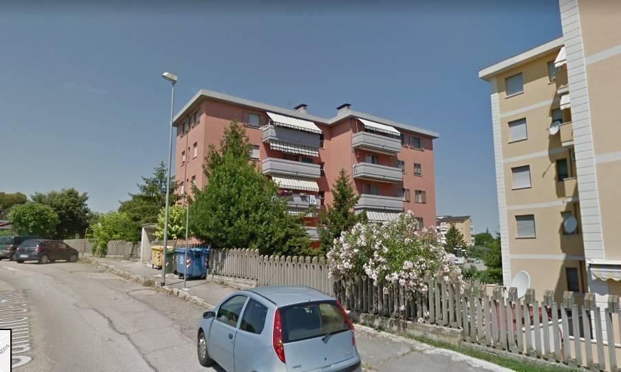 Appartamento in vendita a Ortona, 4 locali, prezzo € 95.000   CambioCasa.it