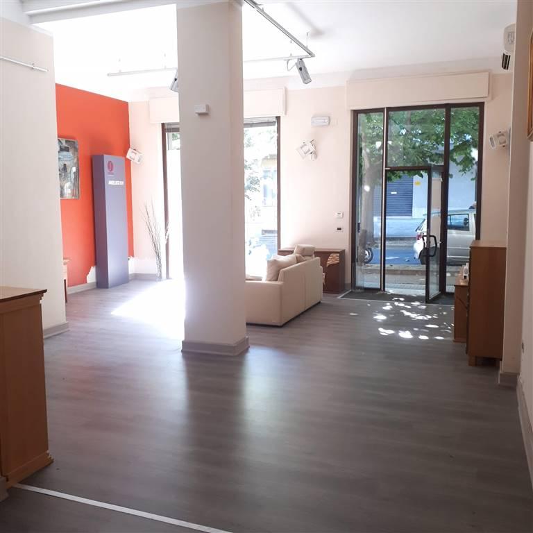Immobile Commerciale in affitto a Lanciano, 9999 locali, prezzo € 600 | CambioCasa.it
