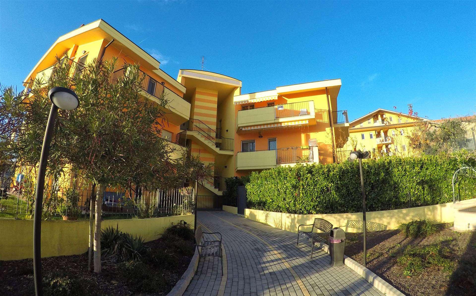 Appartamento in vendita a Castel Frentano, 6 locali, prezzo € 138.000   CambioCasa.it