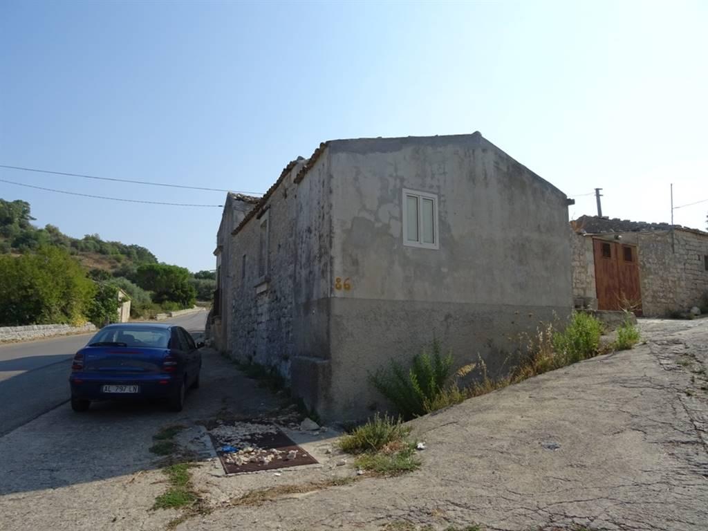 Casa singola in Via Modica Noto  86, Modica Alta, Modica