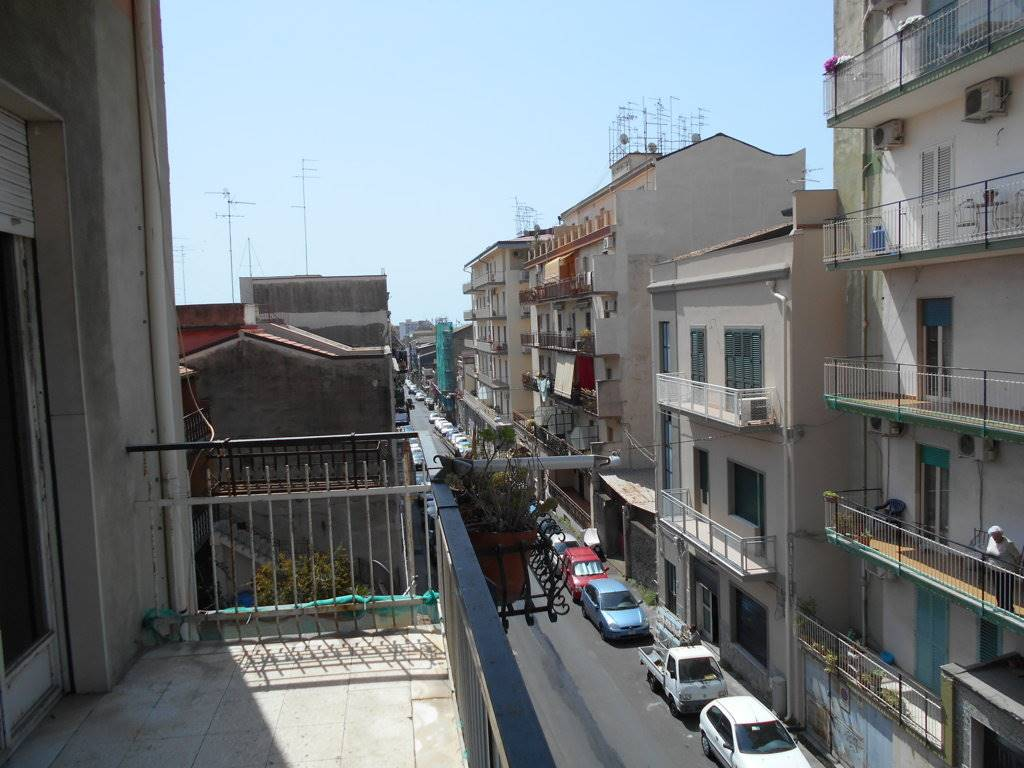 Quadrilocale, Catania, da ristrutturare