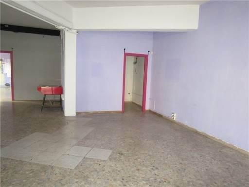 Locale commerciale in Affitto a Campi bisenzio zona  - immagine 1