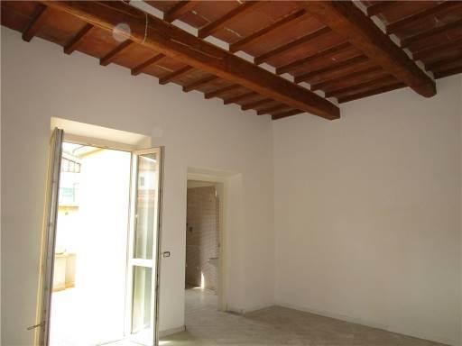 Locale commerciale in Affitto a Calenzano zona  - immagine 3