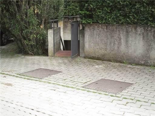 Garage in Vendita a Firenze zona  - immagine 1