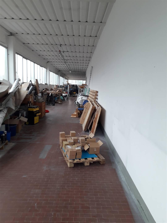 Magazzino in Affitto a Poggio a caiano zona Granaio - immagine 1