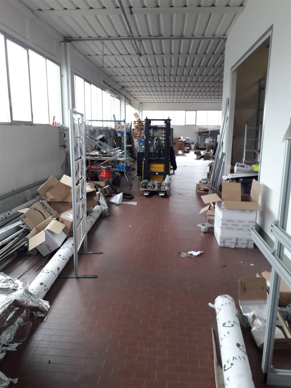 Magazzino in Affitto a Poggio a caiano zona Granaio - immagine 2