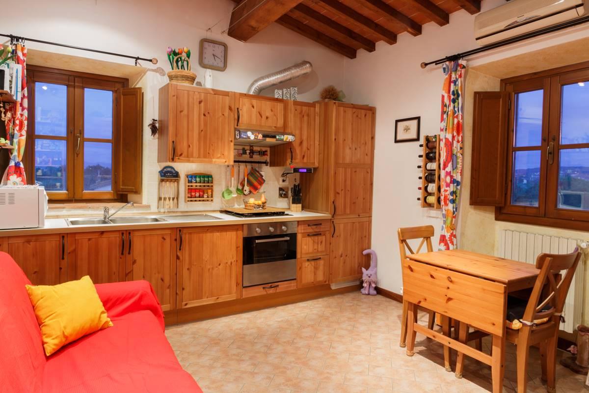 Appartamento in Vendita a Prato zona San giorgio a colonica - immagine 3