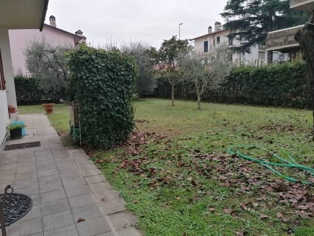 Villa in Vendita a Campi bisenzio zona  - immagine 5