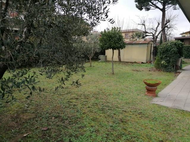 Villa in Vendita a Campi bisenzio zona  - immagine 4