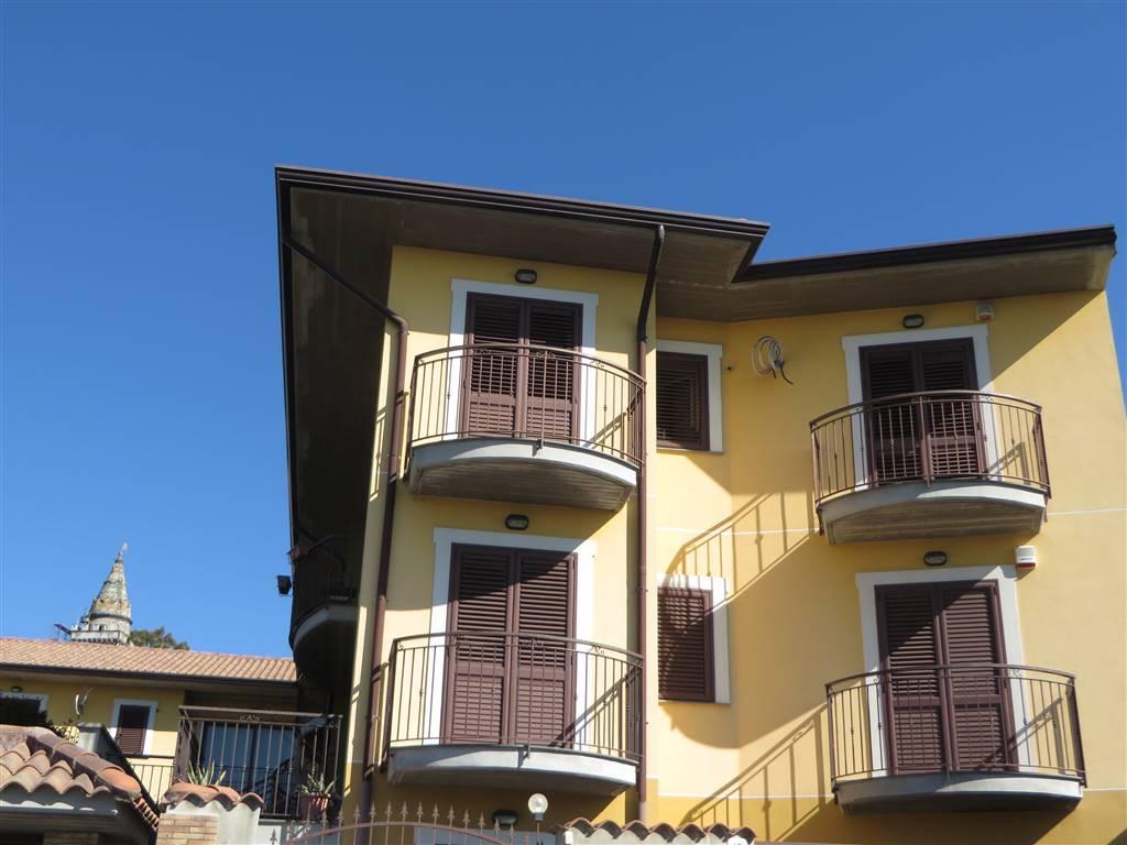 Quadrilocale in Via Simone Del Pozzo, Pedara