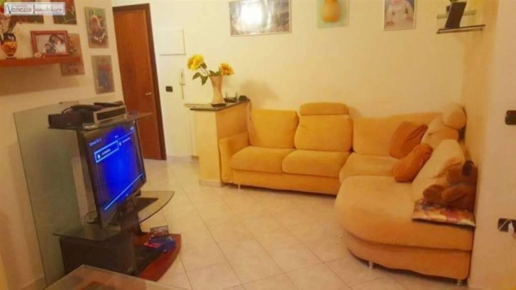Appartamento in vendita a Chioggia, 3 locali, zona Zona: Sottomarina, prezzo € 139.000 | CambioCasa.it