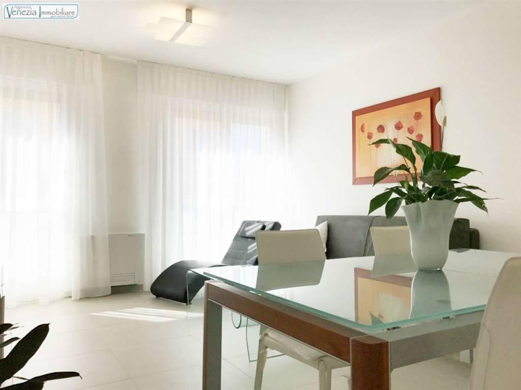 Appartamento in vendita a Chioggia, 3 locali, prezzo € 220.000   CambioCasa.it