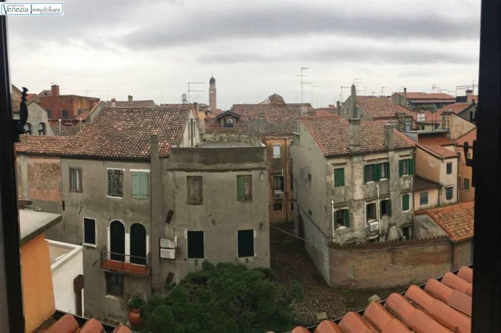 Appartamento in vendita a Chioggia, 5 locali, prezzo € 128.000 | CambioCasa.it