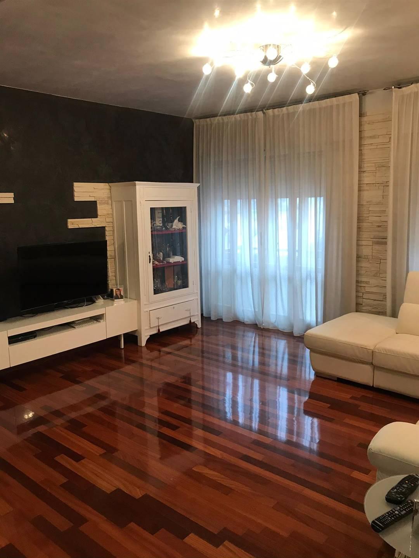 Appartamento in vendita a Chioggia, 7 locali, zona Località: BORGO SAN GIOVANNI, prezzo € 230.000   CambioCasa.it