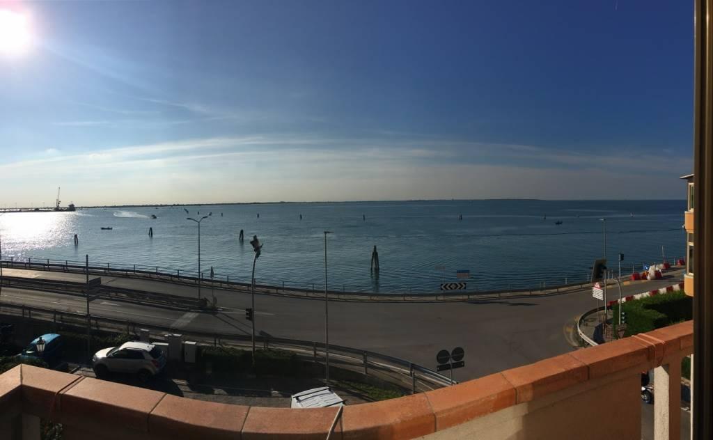 Appartamento in vendita a Chioggia, 5 locali, zona Località: SALONI, prezzo € 130.000 | CambioCasa.it