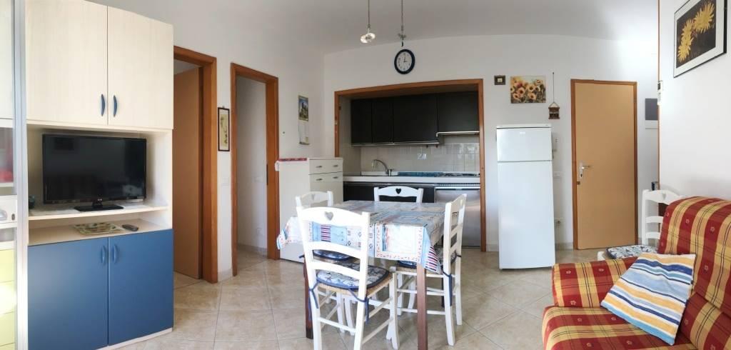 Appartamento in vendita a Chioggia, 5 locali, zona Località: ISOLA VERDE, prezzo € 100.000   CambioCasa.it