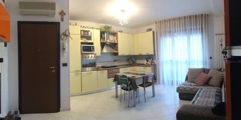 Appartamento in vendita a Chioggia, 4 locali, zona Zona: Sottomarina, prezzo € 165.000 | CambioCasa.it