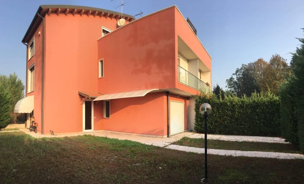 Appartamento in vendita a Codevigo, 7 locali, zona he, prezzo € 160.000   PortaleAgenzieImmobiliari.it