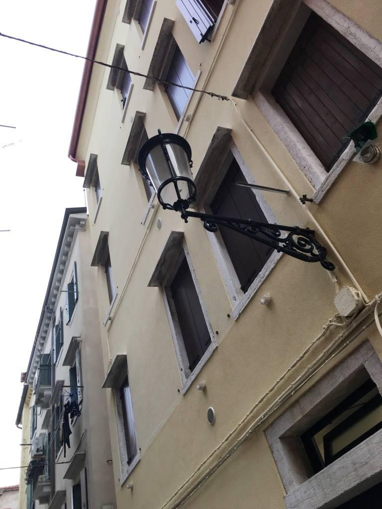 Appartamento in vendita a Chioggia, 3 locali, zona Località: CHIOGGIA CENTRO, prezzo € 85.000 | CambioCasa.it