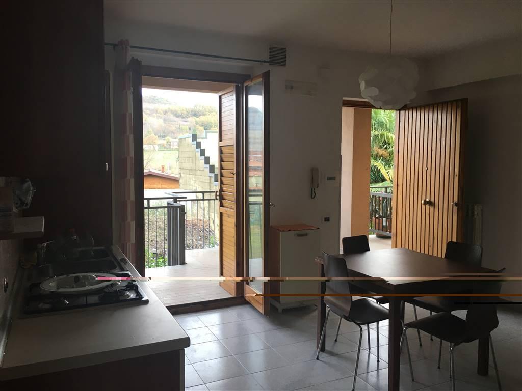 Appartamento in vendita a Atripalda, 3 locali, prezzo € 65.000 | CambioCasa.it