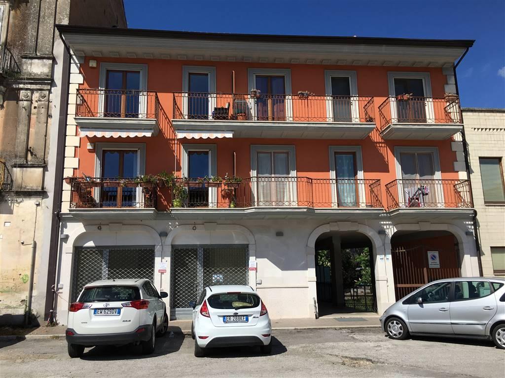 Immobile Commerciale in affitto a Atripalda, 2 locali, prezzo € 520 | CambioCasa.it