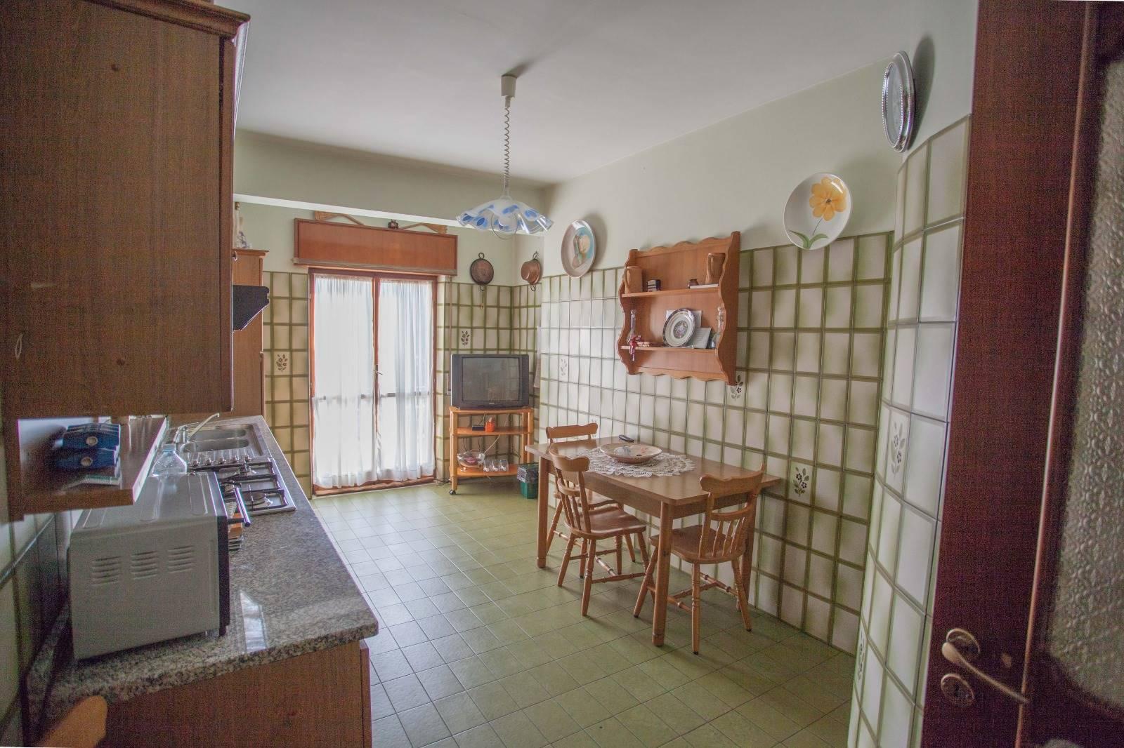 Appartamento in vendita a Ospedaletto d'Alpinolo, 4 locali, prezzo € 89.000   CambioCasa.it