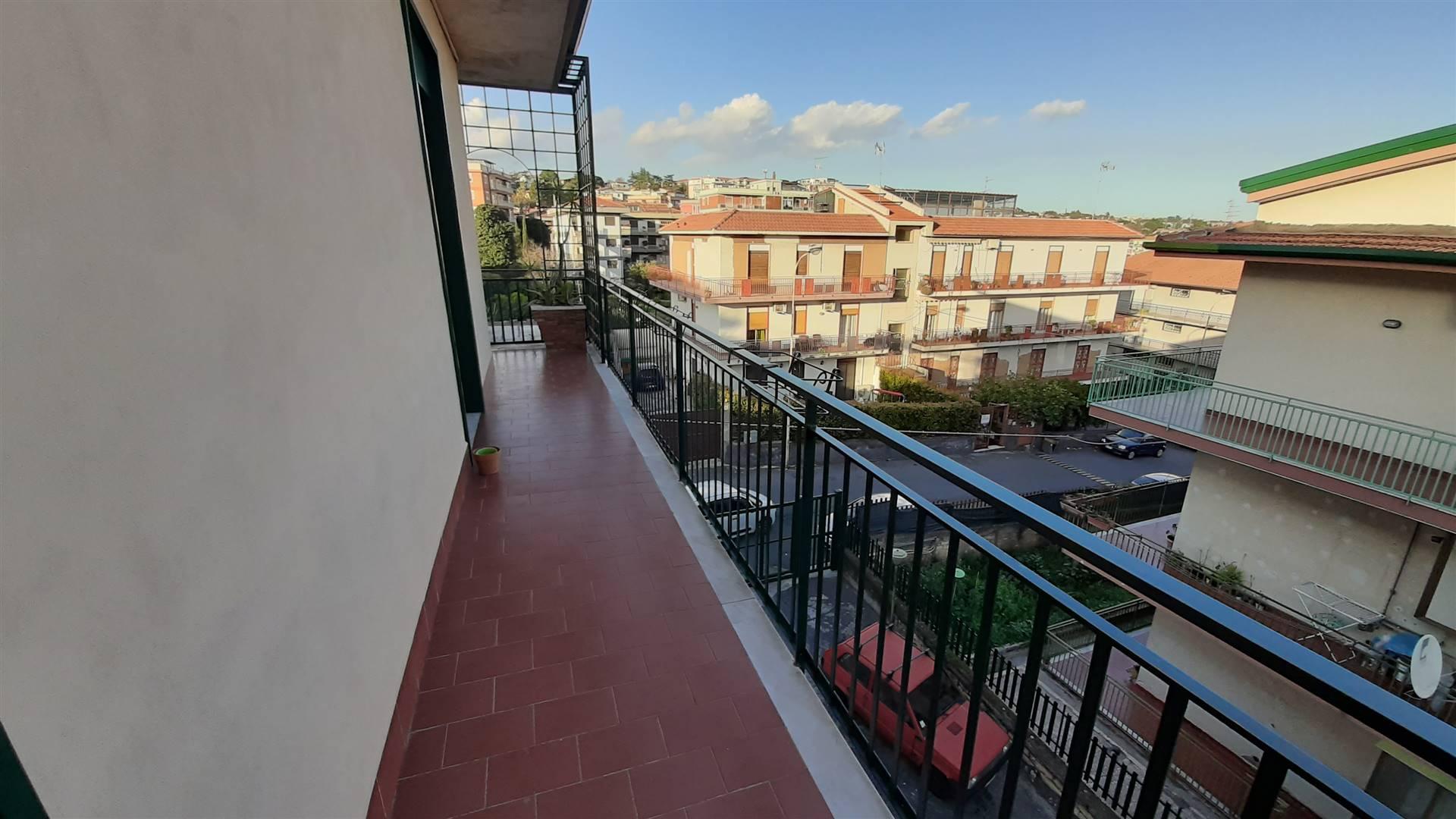 balcone esposto sul condominio