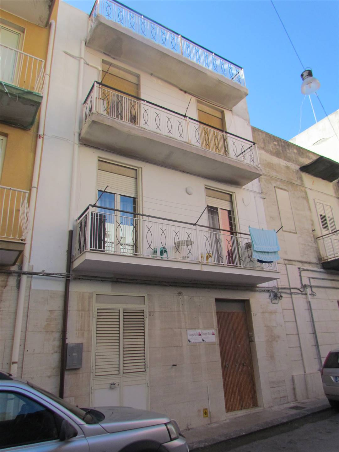 We have a 55 sqm apartment, located on the second floor with three bedrooms, kitchen and bathroom and on the third floor a terrace of 38 sqm. and a