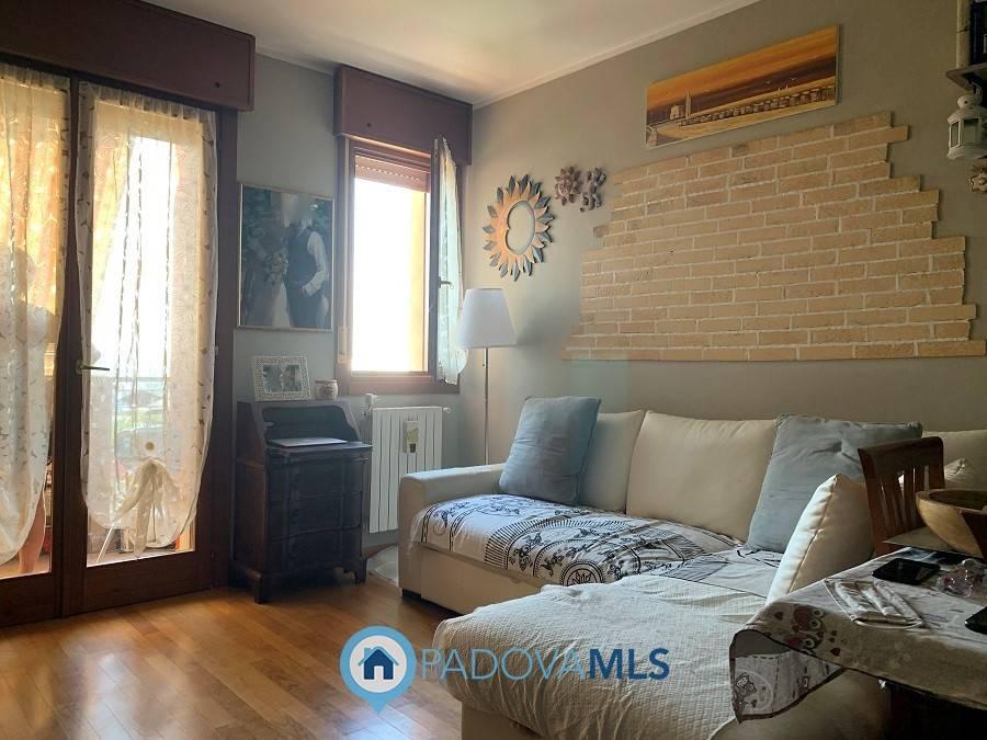 Appartamento in vendita a Maserà di Padova, 3 locali, prezzo € 99.000 | CambioCasa.it