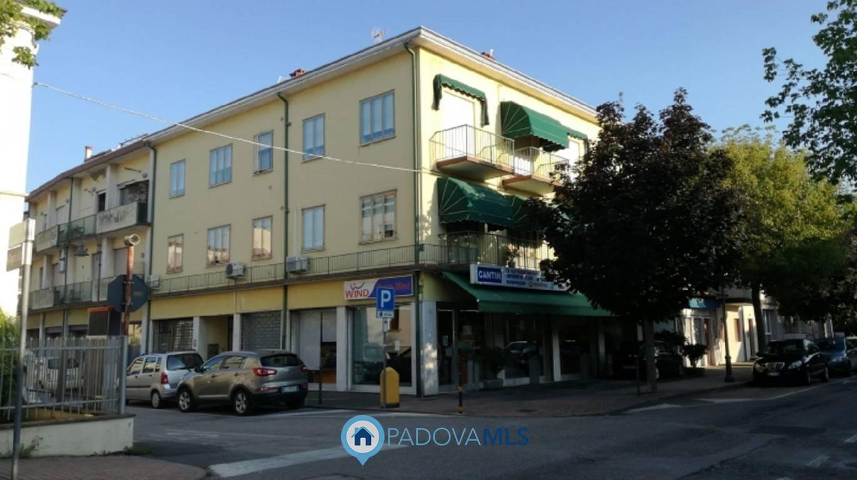 Appartamento in vendita a Battaglia Terme, 4 locali, prezzo € 45.000   CambioCasa.it