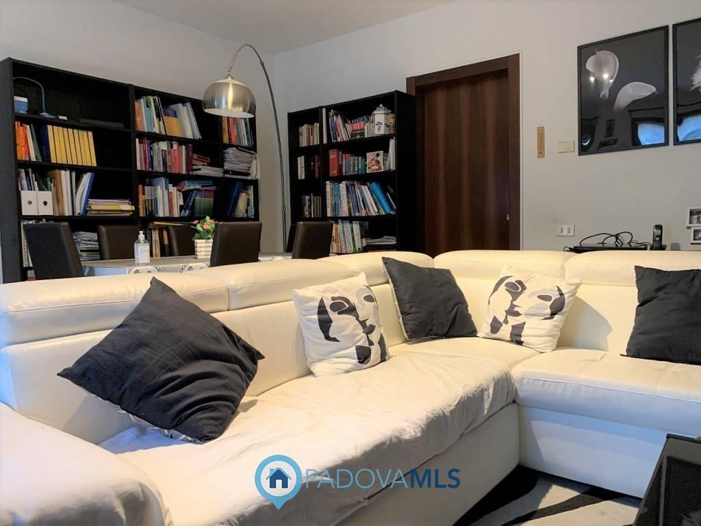 Appartamento in vendita a Pozzonovo, 4 locali, prezzo € 95.000 | CambioCasa.it