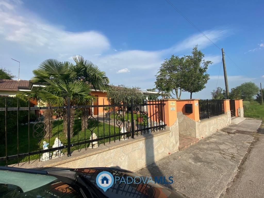 Villa Bifamiliare in vendita a Arre, 5 locali, prezzo € 135.000 | CambioCasa.it