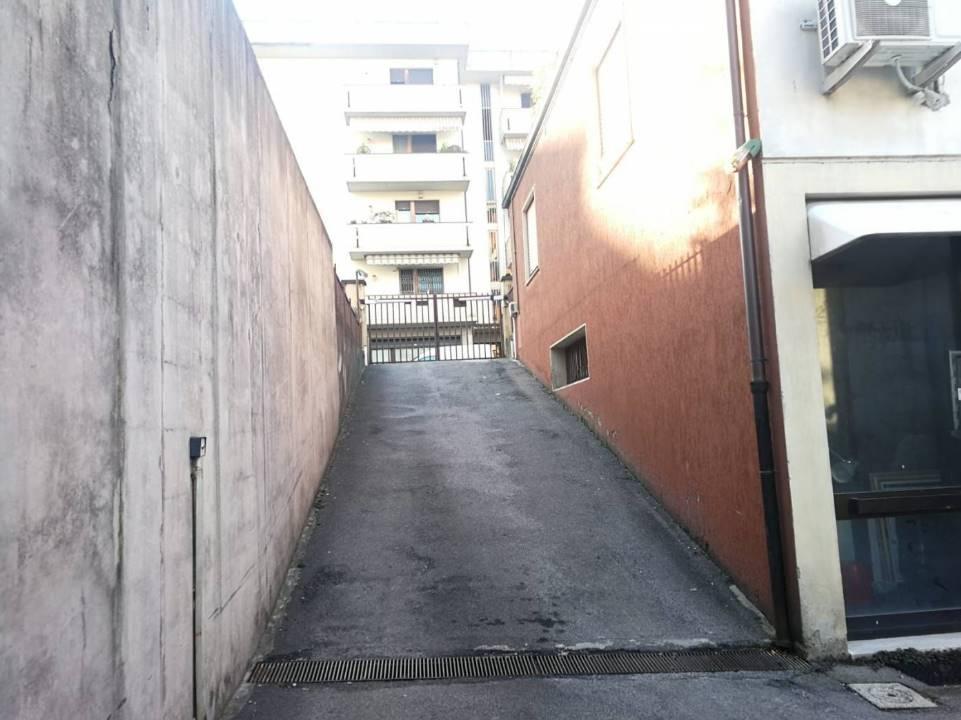 Box / Garage in vendita a Firenze, 1 locali, zona Zona: 4 . Cascine, Cintoia, Argingrosso, L'Isolotto, Porta a Prato, Talenti, prezzo € 15.000   CambioCasa.it