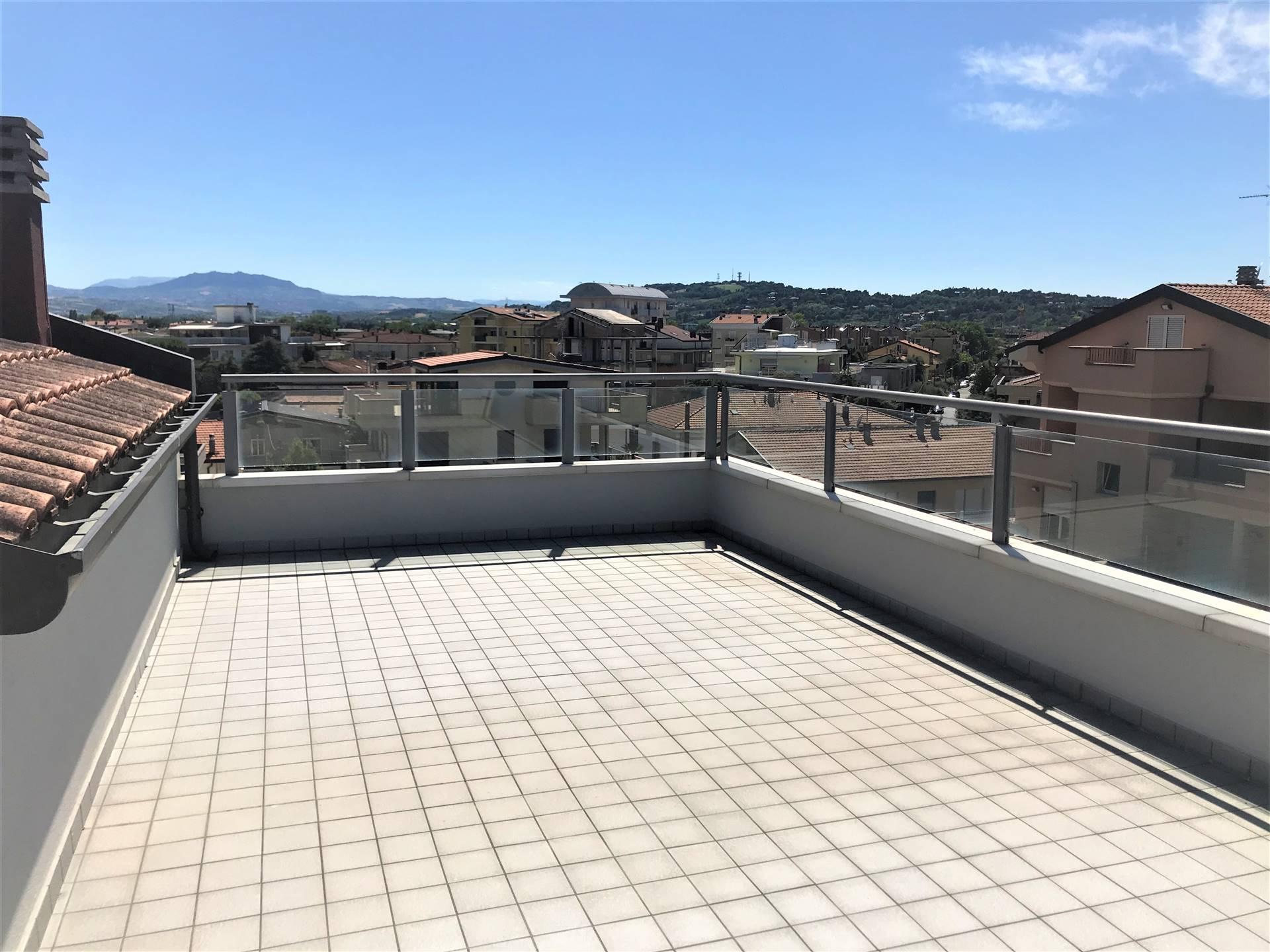 Attico / Mansarda in vendita a Rimini, 5 locali, prezzo € 410.000 | PortaleAgenzieImmobiliari.it