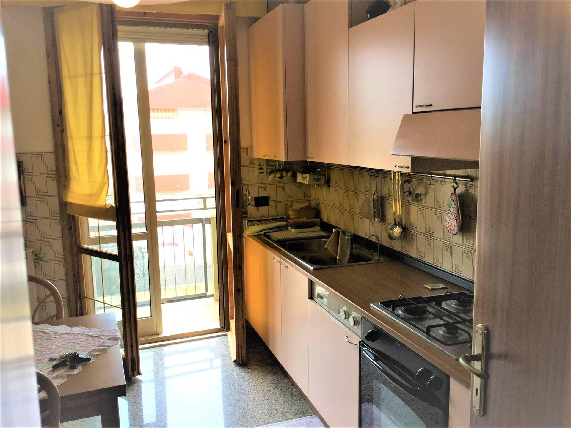 Appartamento in vendita a Rimini, 5 locali, zona Zona: Viserbella, prezzo € 195.000 | CambioCasa.it