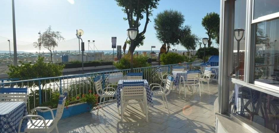 Albergo in vendita a Rimini, 52 locali, zona Zona: Torre Pedrera, prezzo € 1.850.000 | CambioCasa.it
