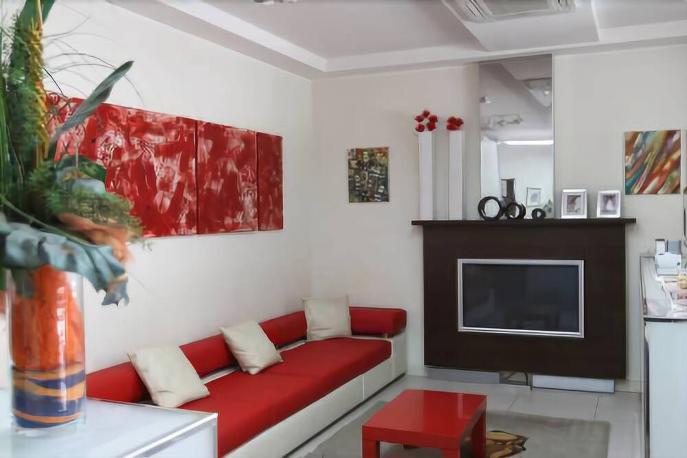 Albergo in vendita a Cesenatico, 40 locali, zona Zona: rioni: Levante, prezzo € 1.490.000   CambioCasa.it