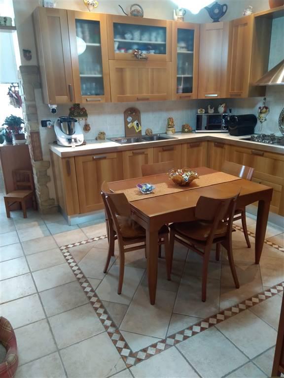 Appartamento in vendita a Brindisi, 3 locali, zona Zona: Commenda, prezzo € 98.000 | CambioCasa.it