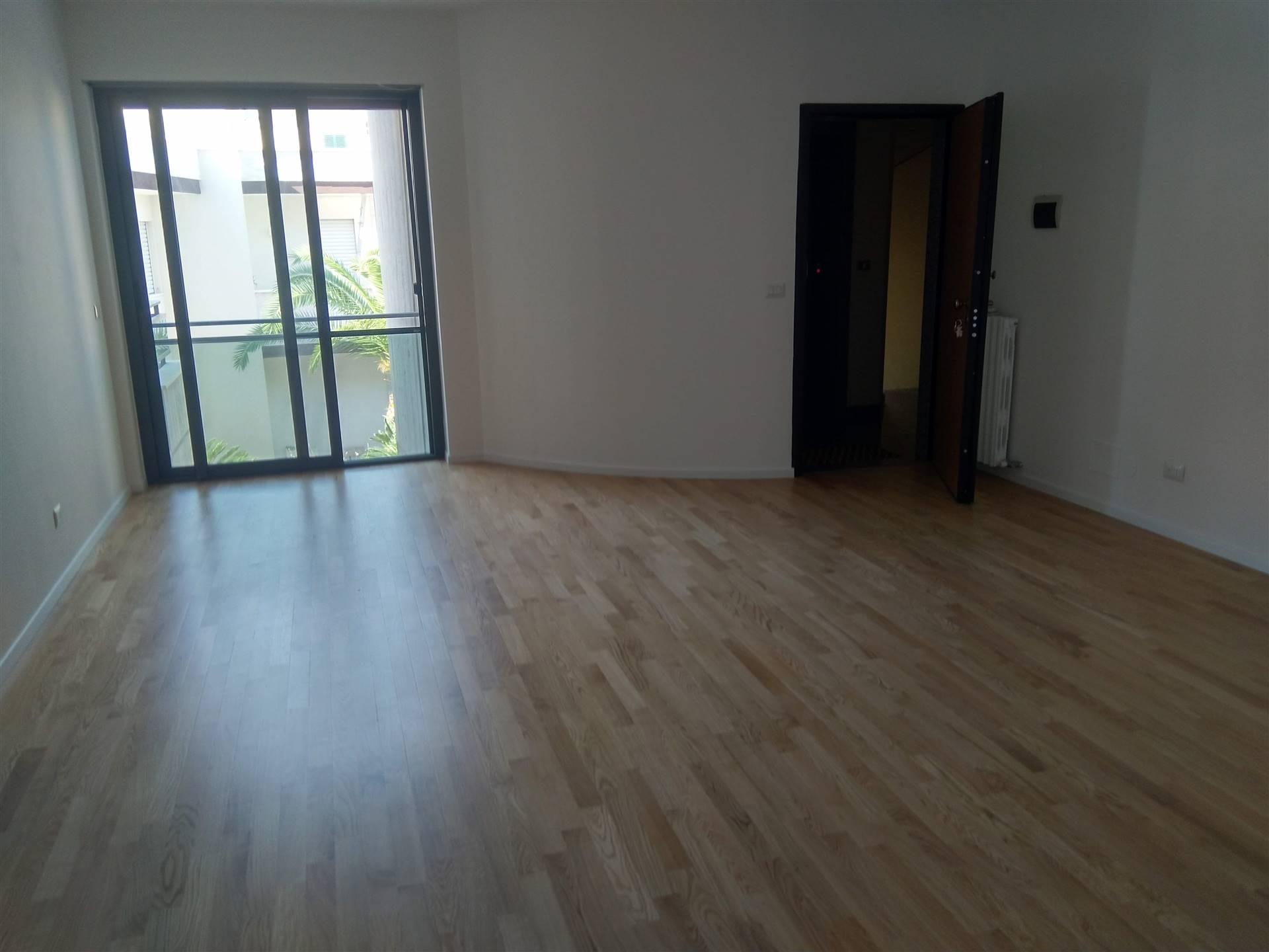 Appartamento in vendita a Brindisi, 5 locali, zona le, prezzo € 225.000 | PortaleAgenzieImmobiliari.it