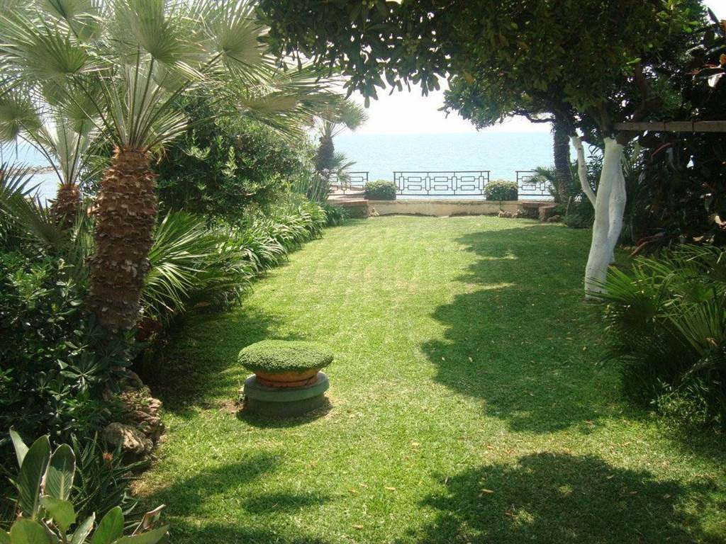SANTA MARINELLA, Apartment for the vacation for rent of 100 Sq. mt., Heating Individual heating system, Energetic class: G, Epi: 175 kwh/m2 year,