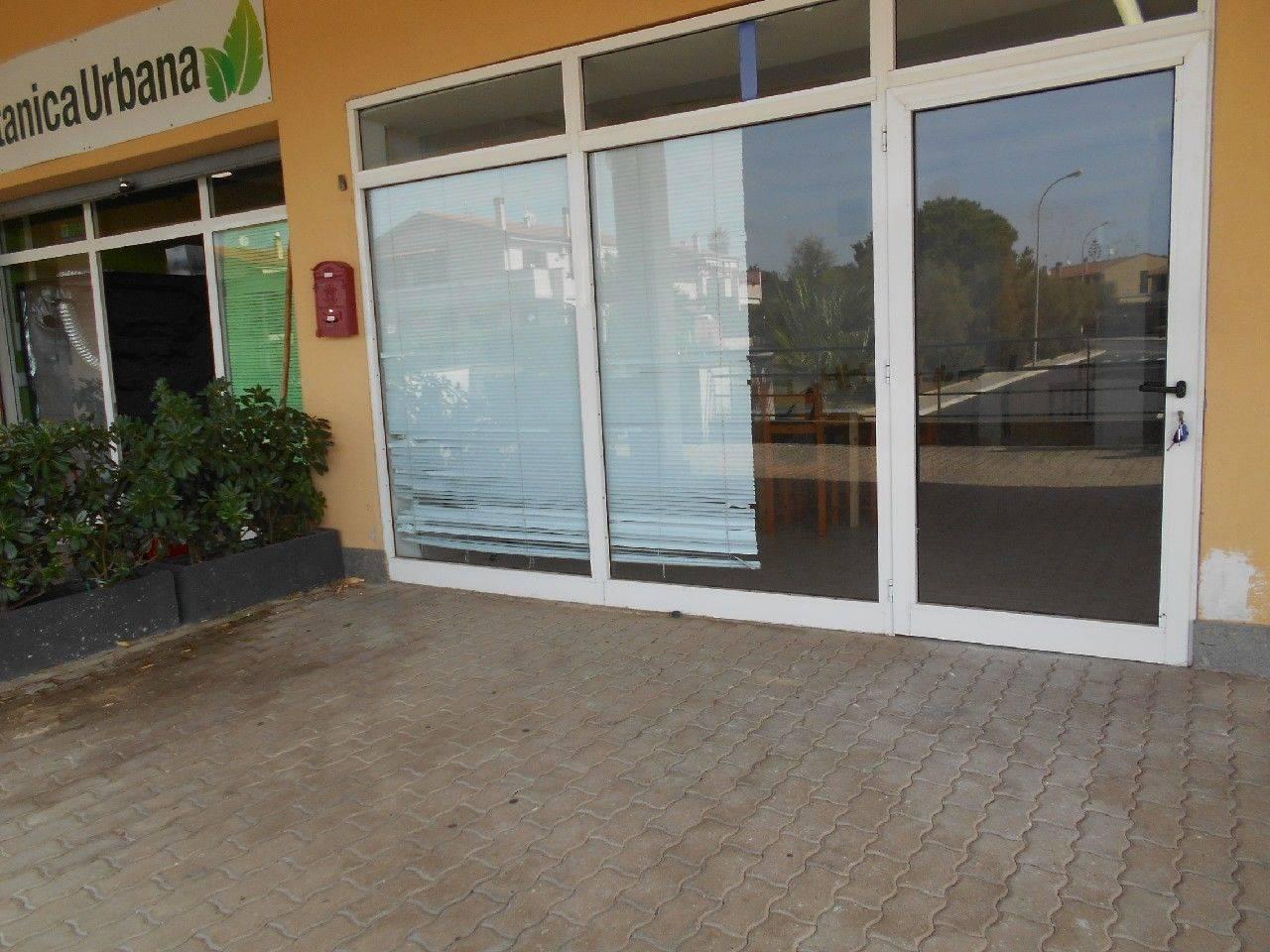 Santa Marinella, Zona Prato del Mare - Agenzia Immobiliare Affitti Civitavecchia, il Vostro Esperto di Fiducia, propone in locazione Locale