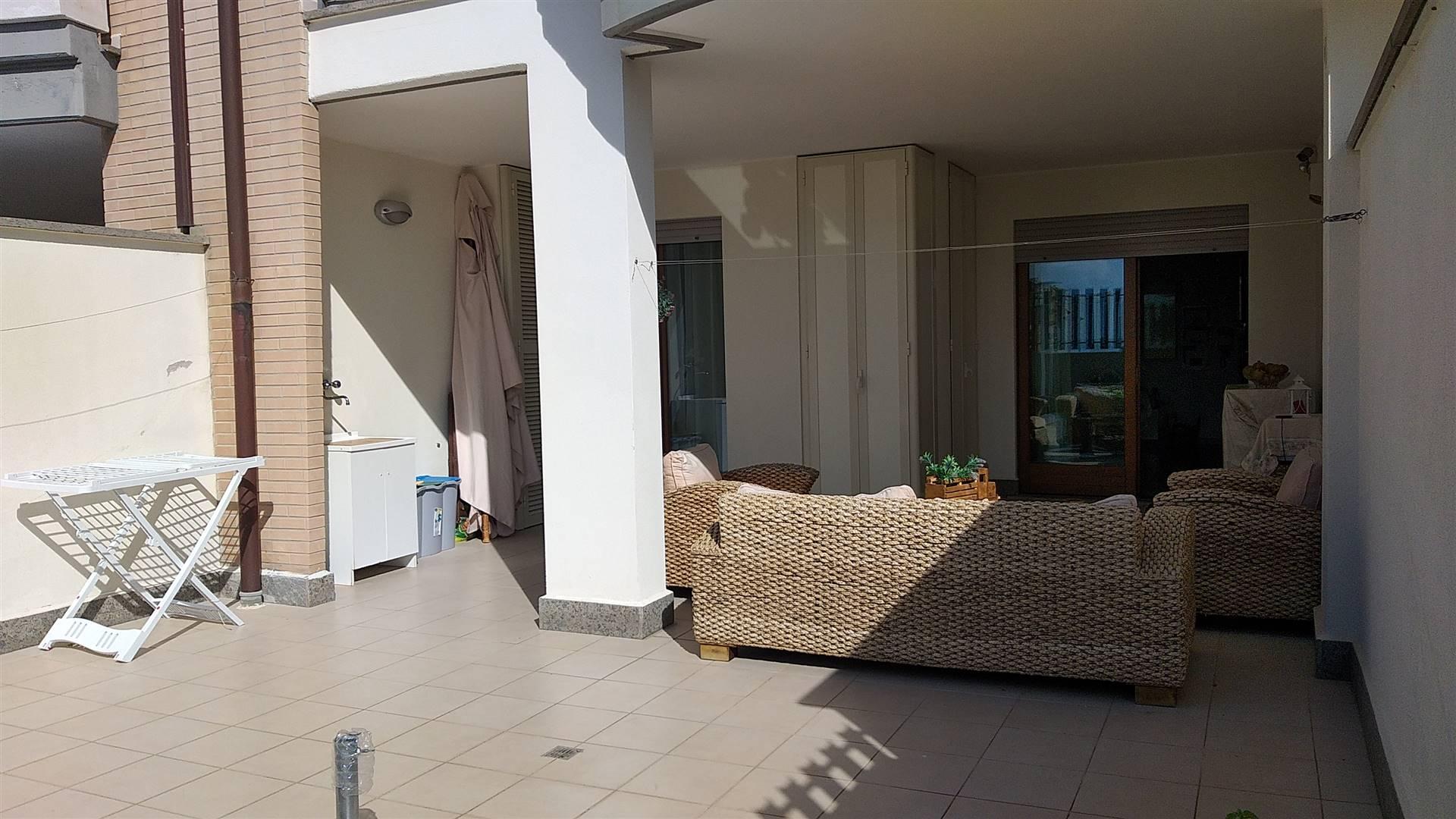 Appartamento con giardino in vendita. L'immobile situato in zona San Liborio è collocato al piano terra di una palazzina di recente costruzione.