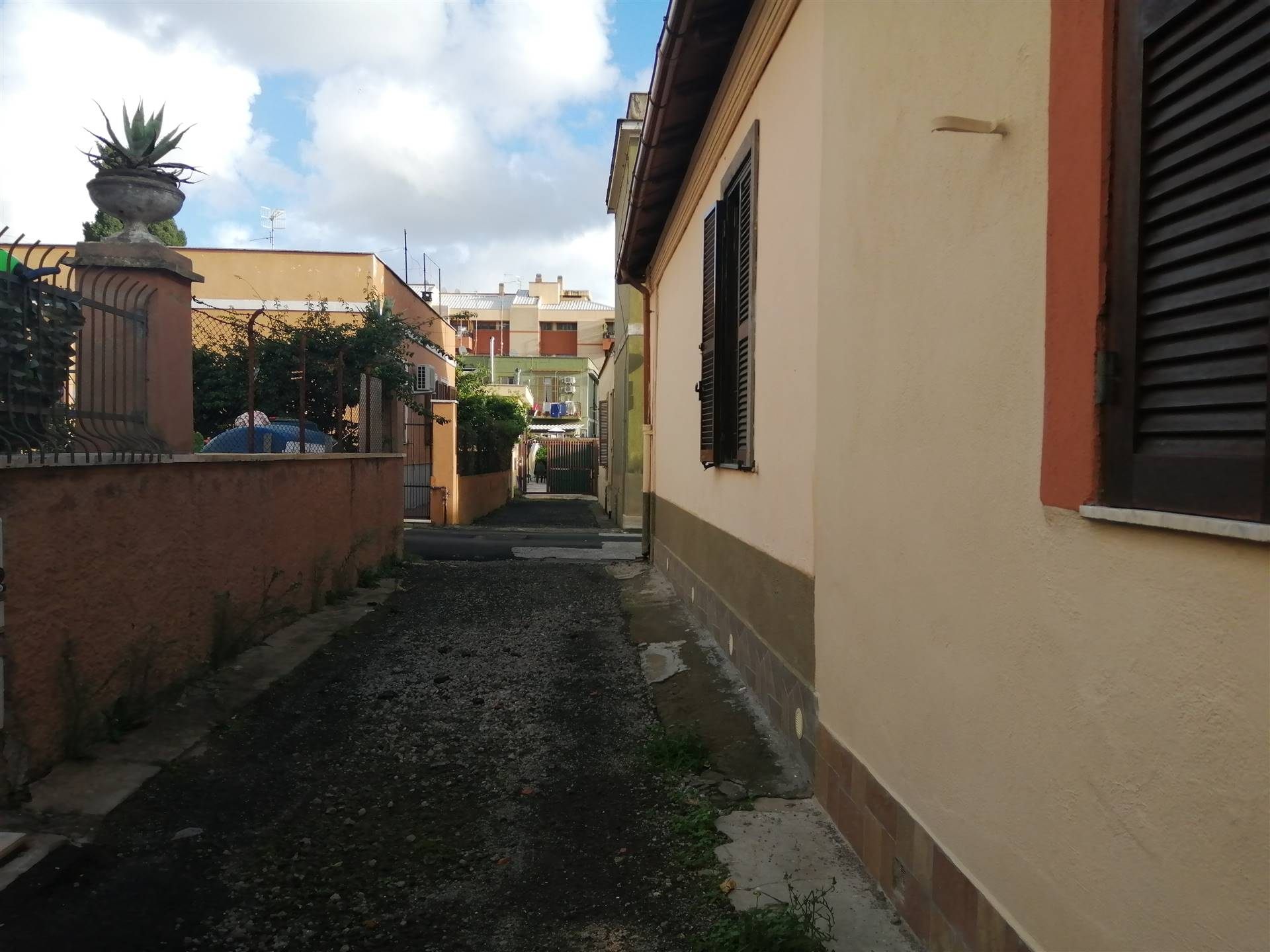 CENTRO, CIVITAVECCHIA, Apartment for sale of 55 Sq. mt., Good condition, Heating Individual heating system, Energetic class: G, placed at Ground, composed by: 2 Rooms, Kitchenette, , 1 Bedroom, 1