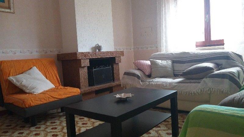 Appartamento arredato ad uso Transitorio. L'immobile , di ampia metratura, è collocato in zona centrale e e in un contesto riservato e signorile.