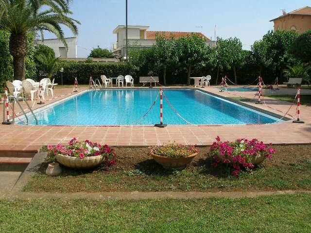 SANTA MARINELLA, Apartment for the vacation for rent of 40 Sq. mt., Excellent Condition, Energetic class: G, Epi: 175 kwh/m2 year, placed at Basement,