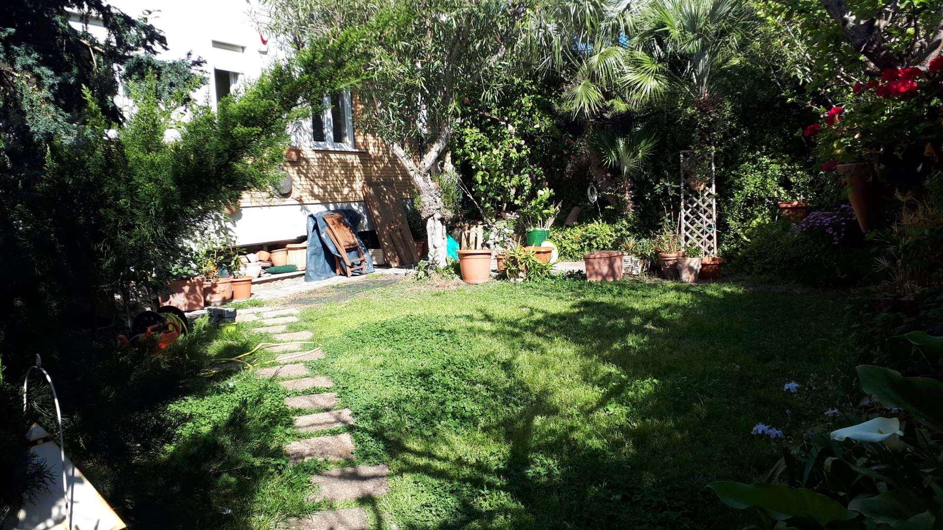 SANTA MARINELLA, Appartement indépendent pour le vacances des location de 130 Mq, Excellentes, Chauffage Autonome, Classe Énergétique: G, Epi: 175 kwh/m2 l'année, par terre élevé sur 3, composé par: