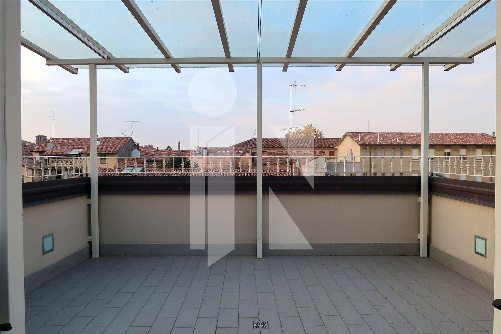 Attico con terrazze e doppio garage