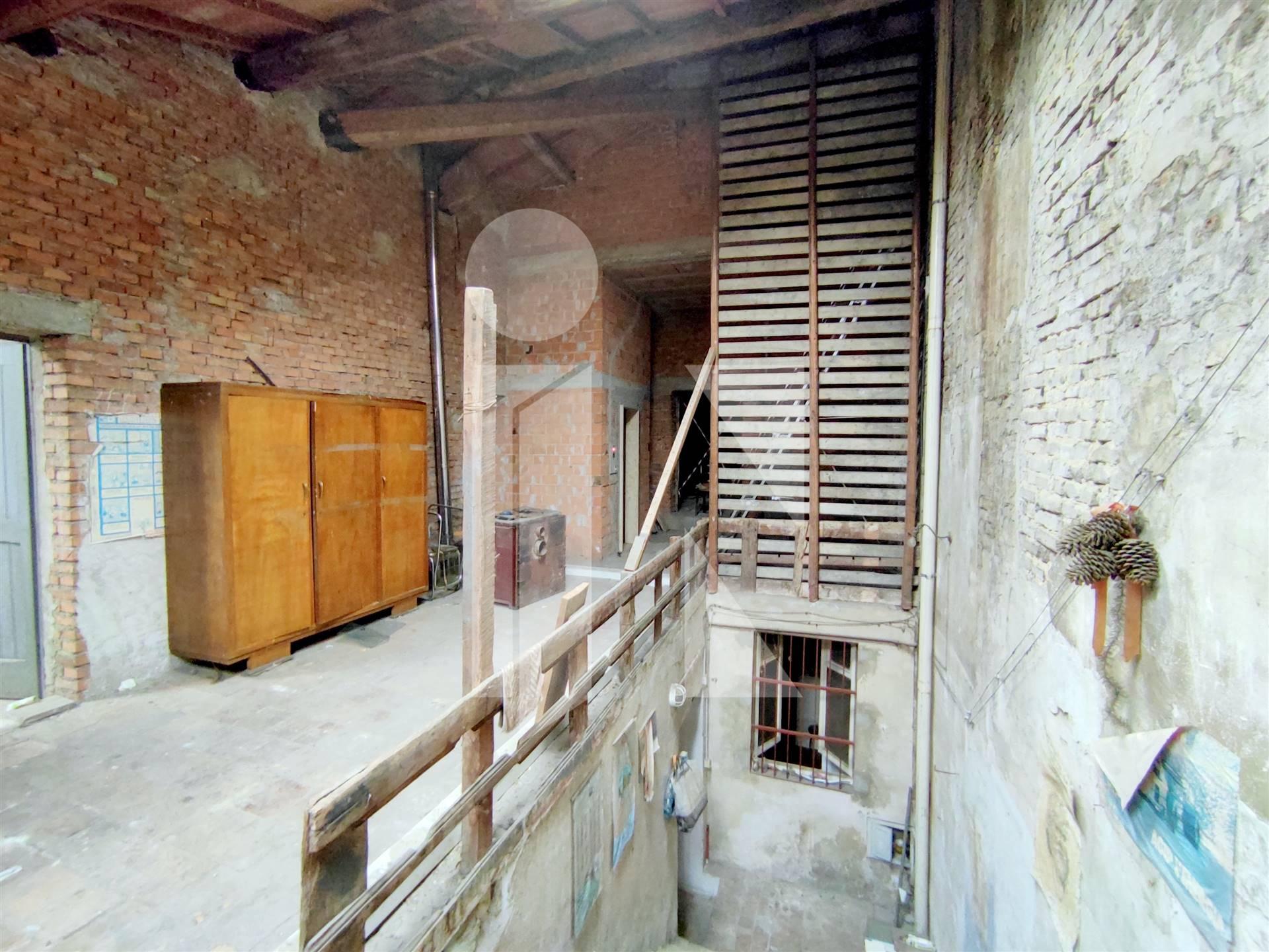 Appartamento da ristrutturare con ascensore