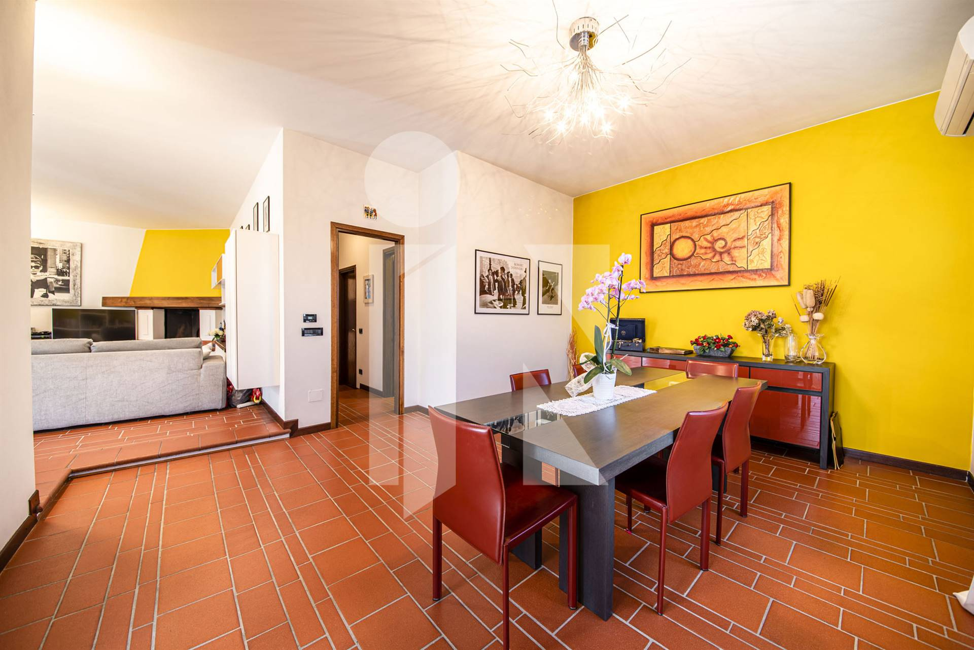 Villa monopiano con mansarda